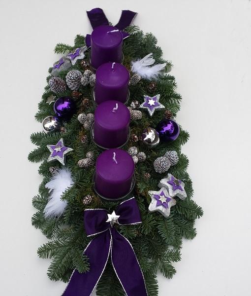 adventskranz frisch adventsgesteck aus nobilis tanne lila silber engelfl gel ebay. Black Bedroom Furniture Sets. Home Design Ideas